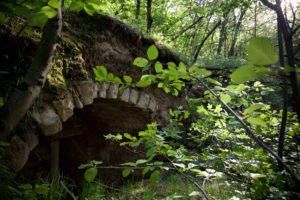 kovácsműhely romjai a Pilisben